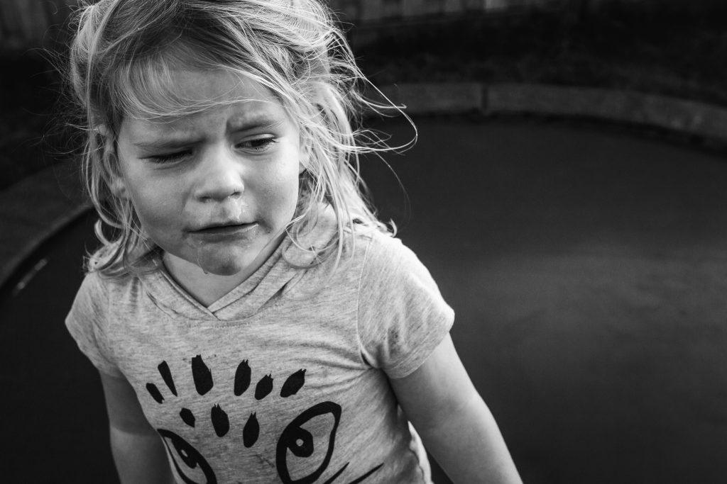 echt rauw portet van een verdrietig meisje