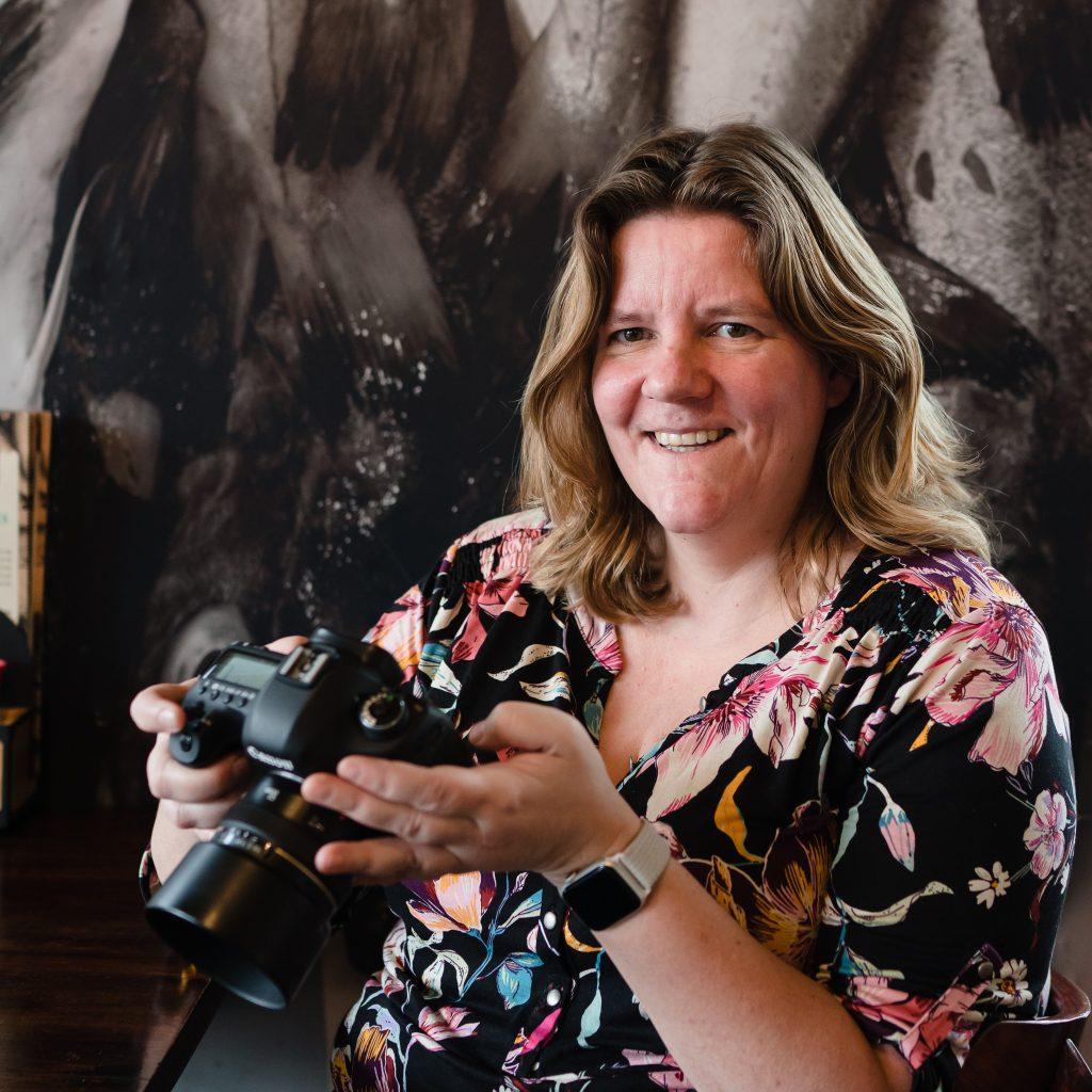 Profielfoto van Marjolijn Maljaars - afscheidsfotograaf en uitvaartfotograaf